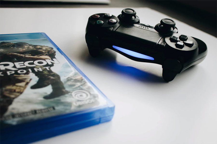 Can Playstation 4 play CDs and DVDs?